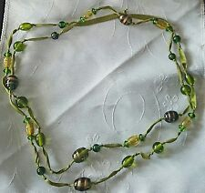 Green gold millefiori and glass bead ribbon necklace J53