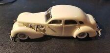 1/43 Western models (England)  1937 Cord 812 Custom  white metal