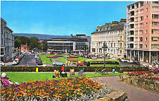 Sussex Postcard - Wilmington Square and The Congress Theatre, Eastbourne  XX454