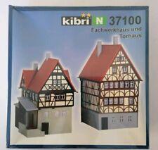 Kibri - N Gauge - 37100 - Frame House and Gate House - Fachwerkhaus und Torhaus