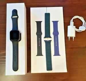 Apple Watch Series 4 44mm Space Grau GPS+CEL mit 3 Armbändern