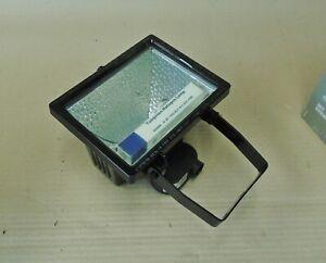 Flutlicht Scheinwerfer  230 Volt 500 Watt von Feuerwehr / THW ; Halogenstrahler