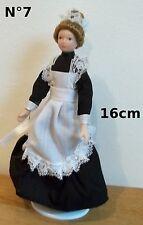 femme,poupée miniature,vitrine, maison de poupée,personnage,dame,servante