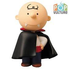 Peanuts Charlie Brown Vampire, Ultra-Detail Vinyl Action Figure statue