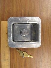 Paddle Lock with Yale Keyed Lock