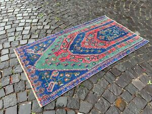 Vintage from the 1960s, % 100 wool Turkish rug, Bohemian rug | 3,0 x 5,3 ft