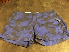 Women's Old Navy Black With Blue Flowers Chino Cute Shorts Size 6 - NWT
