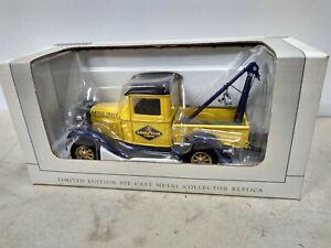 1932 Ford Goodyear Wrecker tow truck Spec Cast 1/32