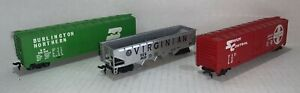 HO Train Burlington 100024, Santa Fe 12079 Box Cars, Virginian 2610 Hopper