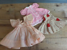 Anciens vêtements de poupées  robes Poupée BELLA
