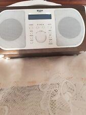 BUSH WOODEN DAB/FM PORTABLE RADIO WITH  A SILVER HANDLE NE3313.