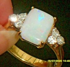 A BEAUTIFUL OPAL & DIAMOND ART DECO DESIGN 18ct YELLOW GOLD CLUSTER RING