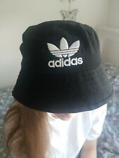 Addidas bucket hat