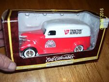 VINTAGE 1938 CHEVY PANEL TRUCK BANK -ERTL -1998  - NEW TOY- NIB