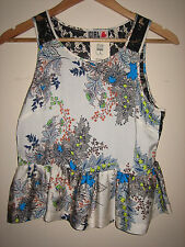 ( NEW WITH TAG ) A LOVELY STYLISH RIVER ISLAND CHELSEA GIRL FLORAL TOP SIZE 8