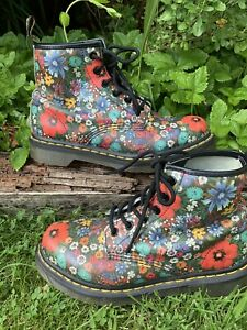DR MARTENS SIZE UK 5 LIMITED EDITION FLORAL PATTERN 6 HOLE BOOTS