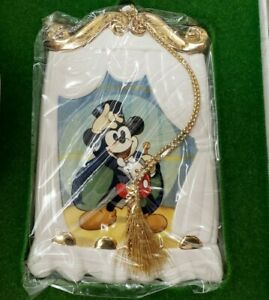 """Walt Disney Collectors Society 1997 Ornament """"On With The Show"""" Magicians Mickey"""