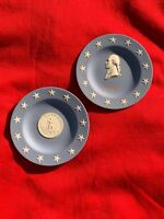 WEDGWOOD England Seal of VIRGINIA standing Liberty & Thomas Jefferson SET ❤sj17j
