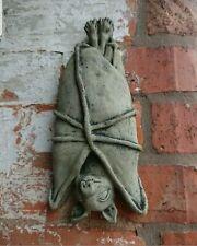 Wandaufhänger Bat Fledermaus Wandfigur aus Steinguss