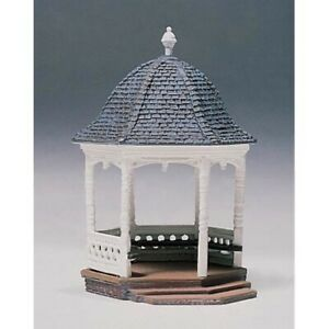 Woodland Scenics D236 HO-Scale KIT Gazebo, Lead Free Metal, Highly Detailed