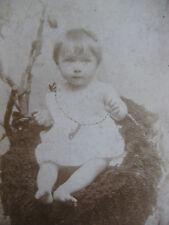 Photographie ancienne CDV Bébé dans un choux  photo Rozenzvaig Paris