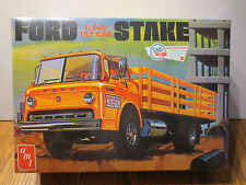 AMT 650 FORD C-600 TILT CAB STAKE TRUCK 1/25 SCALE MODEL KIT NISB