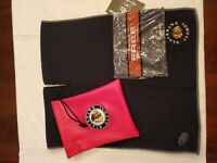 Chicago Blackhawks Alumni PRG Valuables Pouch And Club Glove Caddy Towel