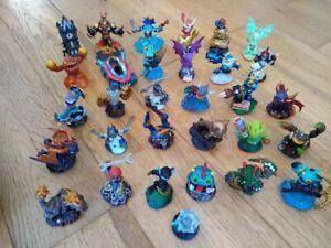 Mixed bundle 31 Skylanders figures Giants / Swap Force / Superchargers + more