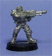 CITADEL - Imperial Guard - Catachan Jungle Fighter w/ Lasgun (c) - Metal - 40K