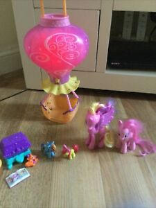 My Little Pony Ponyville Hot Air Balloon Lights & Music With a bundle of ponies