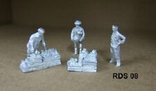 00/4MM  1:76 scale JOHN DAY WHITE METAL FIGURES,**NEW** GROCER'S  SCENE