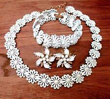 """Vintage MONET White Flower Chain 17"""" Necklace 8"""" Bracelet & Clip On Earrings"""