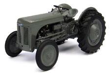 Ferguson Tea 20 Tractor 1:32 Model 4189 UNIVERSAL HOBBIES