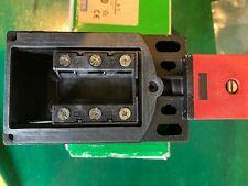 Safety limit switch Schneider Telemecanique Preventa XCS TR752 or 017725
