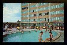 Motel / Hotel chrome postcard Louisiana LA Baton Rouge, Capitol House pool