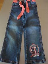 Jeans Hosen mit Stoffgürtel Gr. 110 Blau mit Stickerei wunderschön neuwertig top