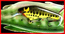 Vintage 1987 POE'S SUPER CEDAR Chartreuse Baby Bass Fishing Lure ( #834 )