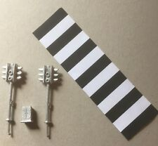 P&D Marsh OO Gauge PW166 Pedestrian crossing lights castings require painting