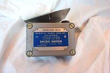 Micro Switch OP-AR50 Splash Proof Switch snap switch g-864 honeywell  foot plate