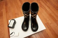 Authentic Burberry Rubber Rain Boots in Black Size (Youth) US 34