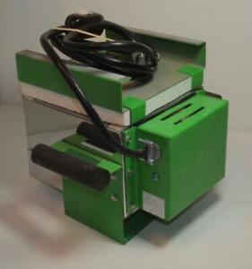 SpeedFire ElectricMini 1800 kiln Mod S1399 120V,40A,435 Watts, Max.temp 1800F