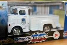 M2 Auto-Dreams Mopar 75 Premium 1:64 1957 DODGE 700 COE White N.O.S 2013 Limited