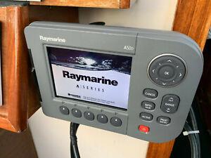 Raymarine A50D Plotter inkl. Cockpit-Halterung und Navionics Gold Skagerag/Katt.