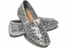 NEW Authentic TOMS Shoes, Glitter Giraffe Women's Slip on Classics,  Size 6