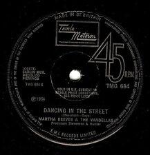 MARTHA REEVES AND THE VANDELLAS Dancing In The Street 7 Inch Motown TMG 684