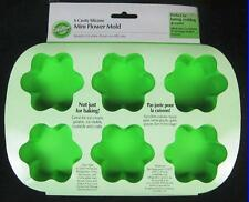 SILICONE MINI FLOWER PAN from Wilton # 6 molds - NEW
