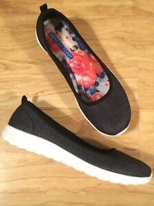 Sketchers Size 8 Memory Foam Slip On Flats Air Cooled Black Shoes Women