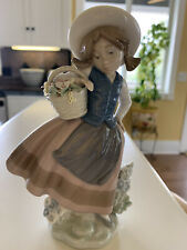lladro figurines collectibles Girl With Flower Basket