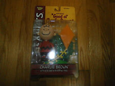 Charlie Brown with Kite and Kite-eating Tree Peanuts Memory Lane Action Figure 2