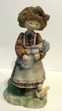 """""""Molly the Big Sister� First Edition 1998 Figurine #19"""
